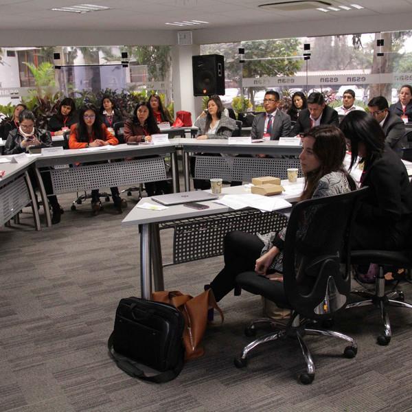 FMBBVA organiza un taller de gobierno corporativo en Perú