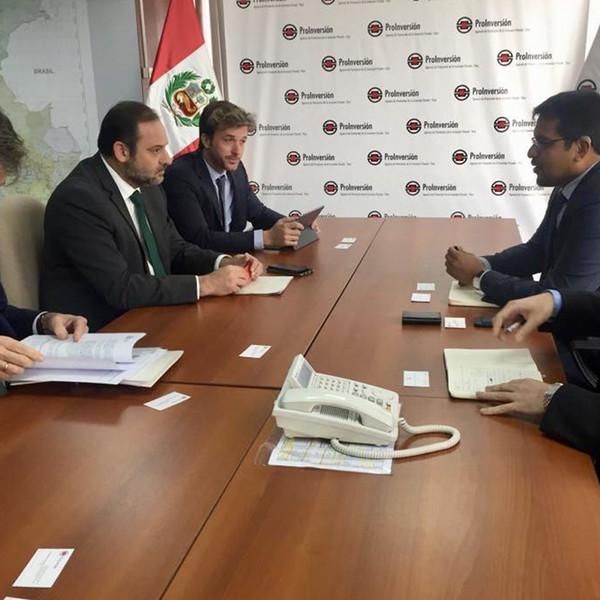Visita a Perú del ministro de Fomento