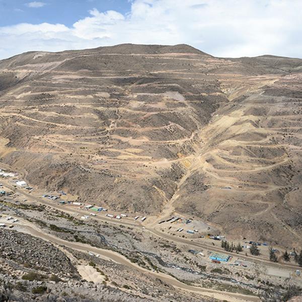 Sacyr entra en el sector minero peruano