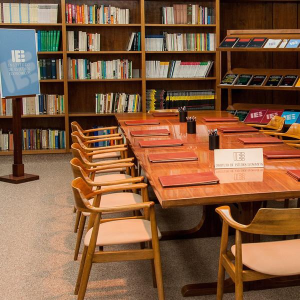II Conferencia Anual del Instituto de Estudios Económicos