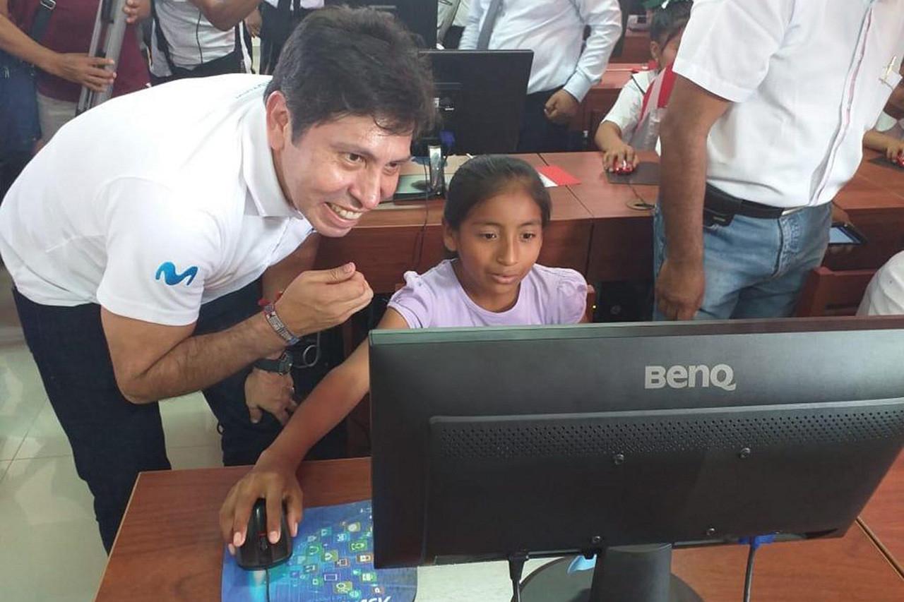Telefónica activa el primer proyecto regional de banda ancha en Perú