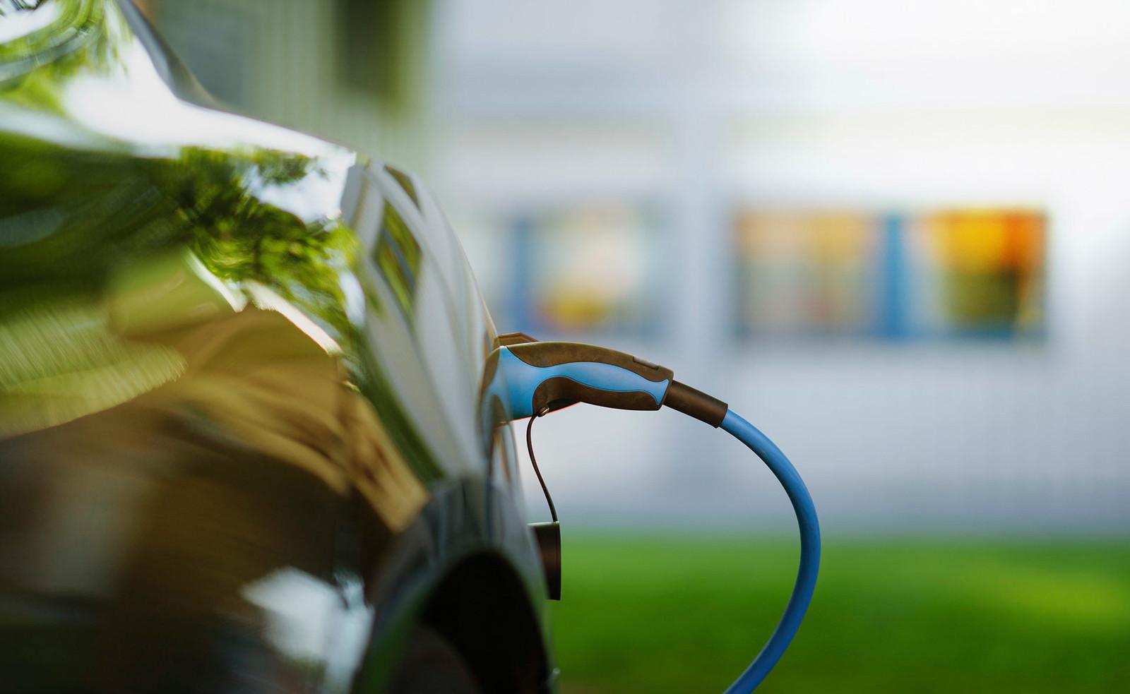 Financiamiento sostenible de BBVA para coches híbridos y eléctricos
