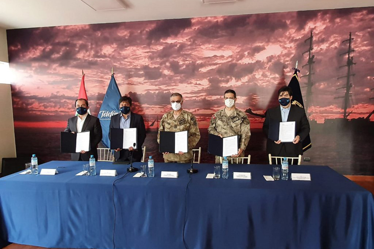 Acuerdo entre Telefónica y la Marina de Guerra del Perú