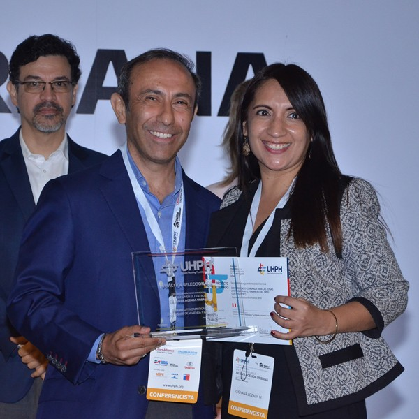 La Fundación Microfinanzas BBVA Perú, premiada por su programa de viviendas
